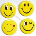 Insigne smiley faces